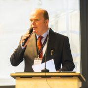Redner Schulze-Ardey bei der Eröffnung